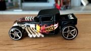 Hot Wheels Bone Shaker. DTY68