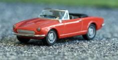 Herpa 022354 Fiat 124 Spider rot